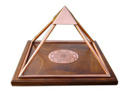 Meru-Piramide medium